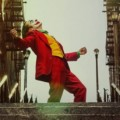 『ジョーカー』代表的な階段でのダンスシーン、観光名所になる ー このシーンで流れたBGMも論争を呼ぶ